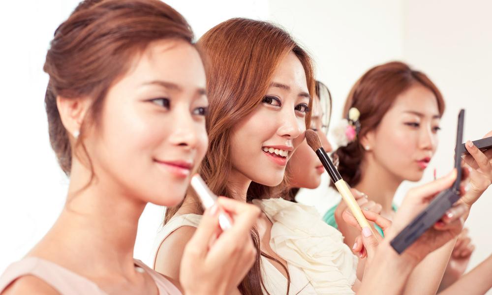 Необычный состав и максимальное увлажнение: почему корейскую косметику обожают женщины по всему миру