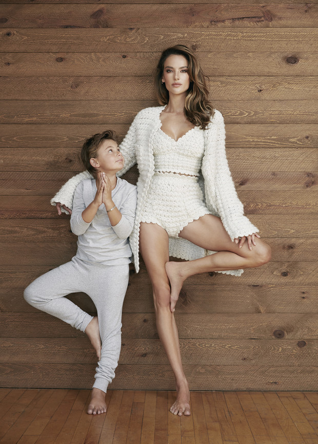 Фото №1 - Алессандра Амбросио: «Важнее всего сохранять позитивный настрой— это отражается ина восприятии собственного тела»