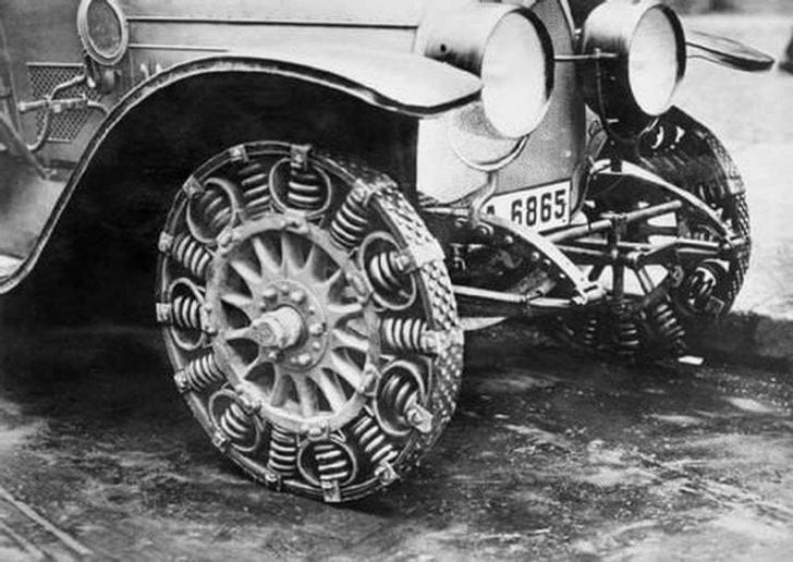 Фото №1 - Почему в Германии выпускали металлические шины