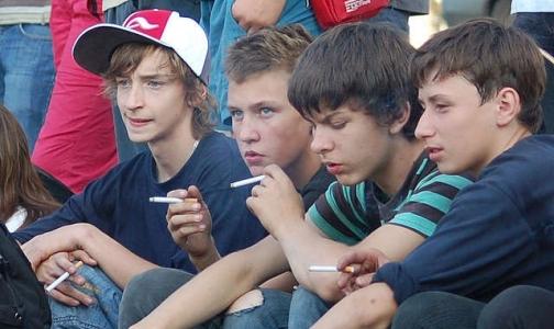 Фото №1 - Онищенко предложил запретить курение на остановках транспорта