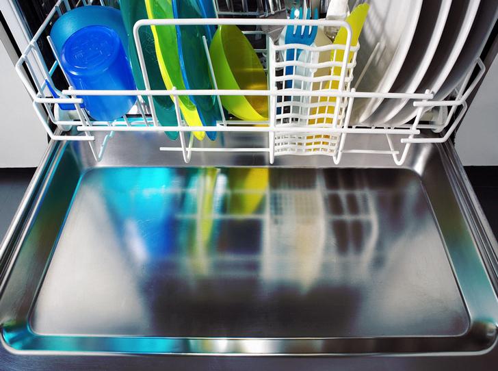Фото №2 - Как правильно мыть посуду в посудомоечной машине
