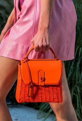Фото №26 - Самые модные сумки весны и лета 2020