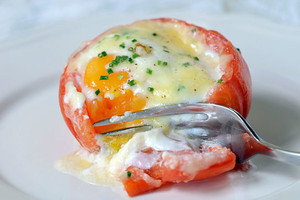 Фото №16 - 7 необычных и простых рецептов яичницы к завтраку