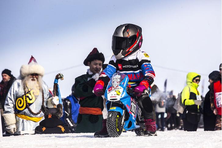 Фото №12 - По толстому льду: как прошли «Байкальская миля» и «Дни скорости на льду Байкала»
