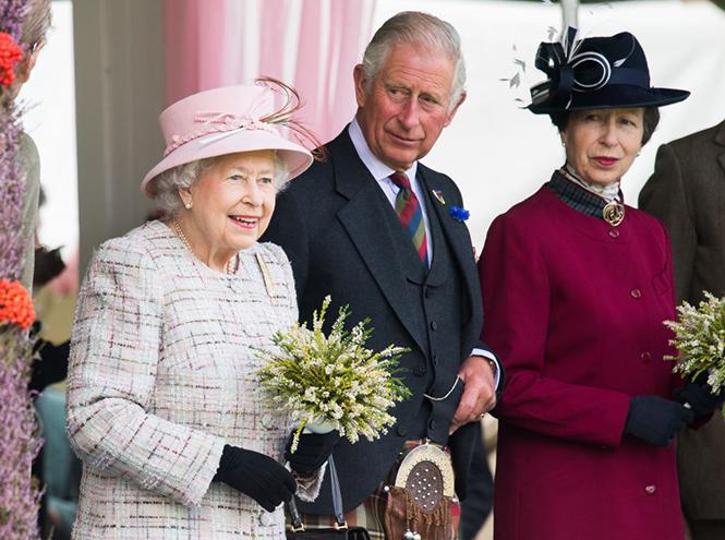 Фото №3 - Может ли королева Елизавета II получить титул императрицы?