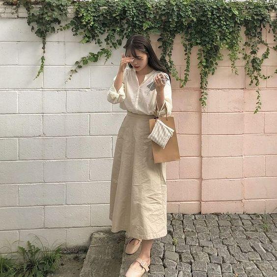 Фото №6 - Длинная юбка в стиле коттеджкор: смотри, с чем носить этим летом