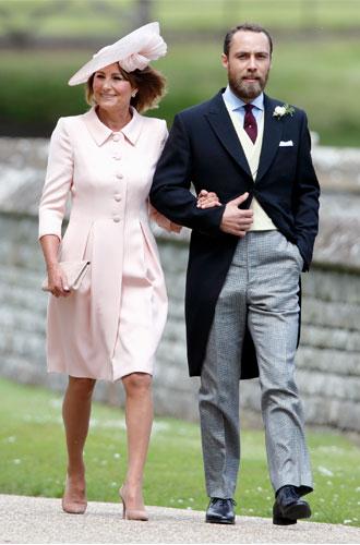 Фото №5 - Гардероб Кэрол Миддлтон: как одевается мама герцогини Кембриджской