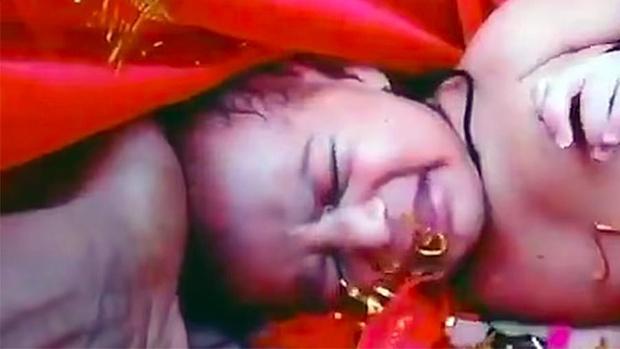 Фото №1 - Индийский рыбак обнаружил новорожденную девочку там, где совсем не ожидал ее увидеть