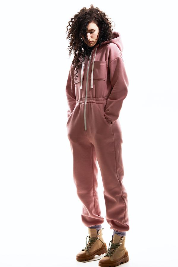 Фото №4 - Первый в мире конструктор casual одежды Hooli представил межсезонные новинки