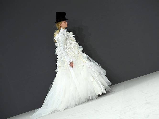 Фото №35 - В деталях: лучшие свадебные платья haute couture осень/зима 2016