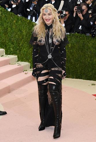 Фото №15 - Икона стиля, феминизма и музыки: как Мадонна стала главным инфлюенсером столетия