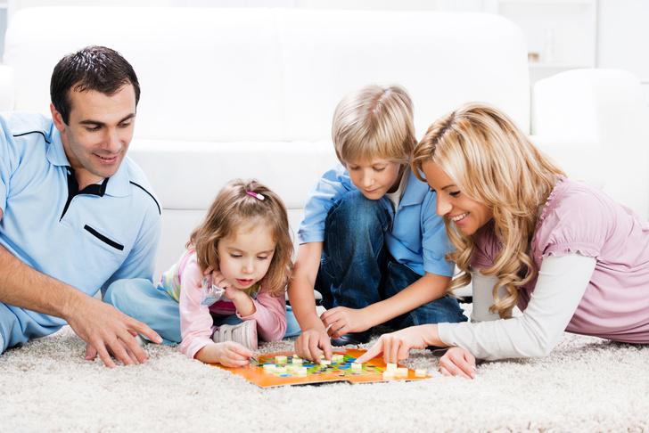 Как научить ребенка играть в игрушки самостоятельно