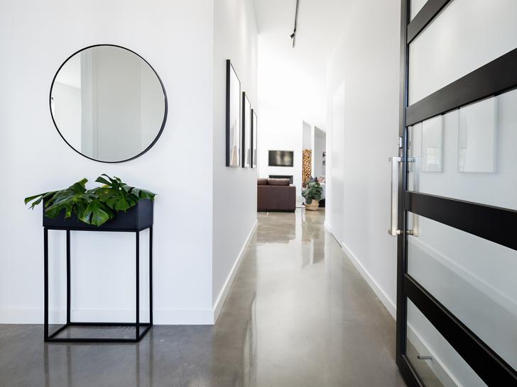 Фото №3 - Как обустроить идеальную прихожую: 5 идей для любой квартиры