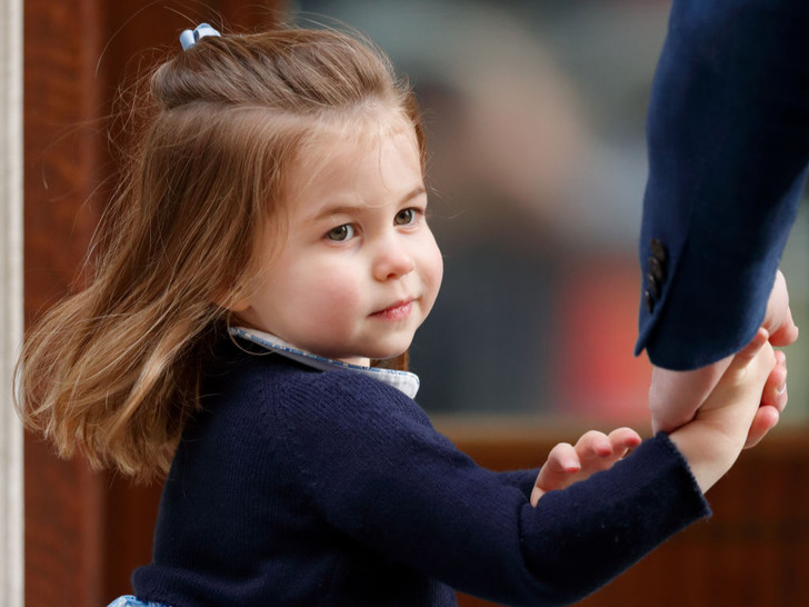 Фото №2 - Почему принцесса Шарлотта никогда не станет герцогиней