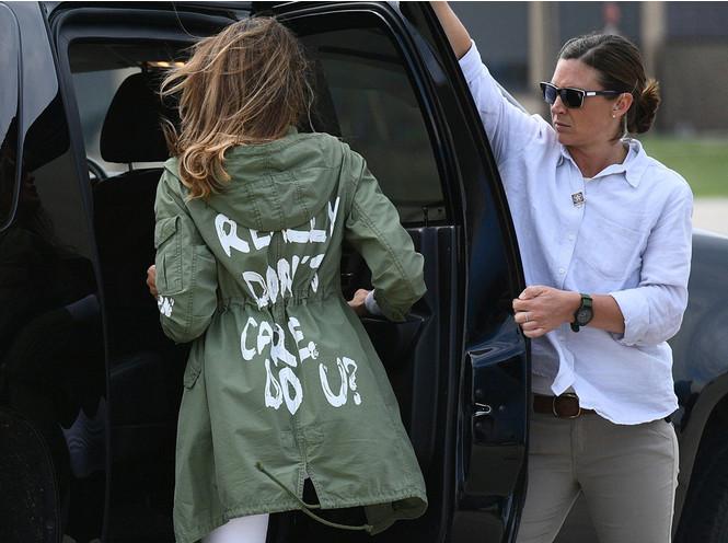 Фото №5 - О чем хочет сказать Мелания Трамп, выбирая британских дизайнеров?