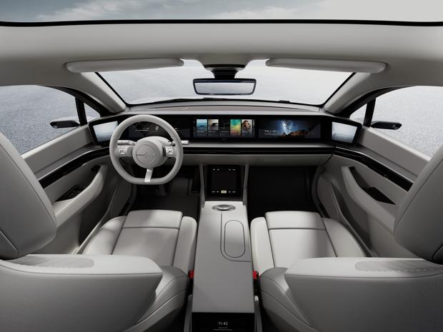 Фото №2 - Sony представила свой автомобиль