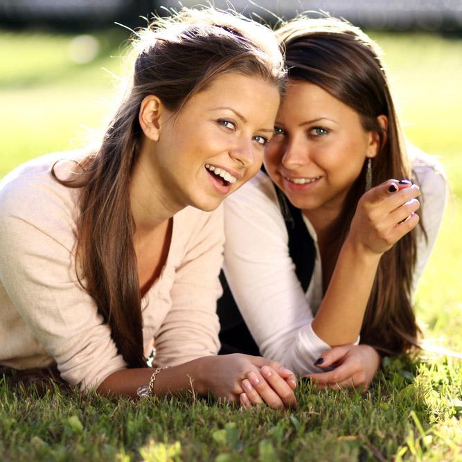 Фото №1 - Ученые выяснили, что друзья обладают схожей генетикой