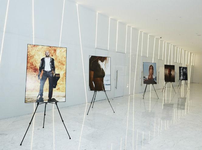 Фото №1 - Открытие выставки «Фотопреувеличение. Лучшие фотографии журнала MAXIM за 15 лет»