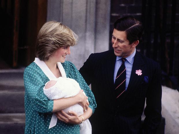 Фото №2 - Неожиданная реакция Королевы при виде новорожденного принца Уильяма