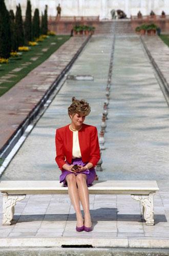 Фото №6 - Изображая жертву: подлинная история «самой грустной» фотографии Дианы