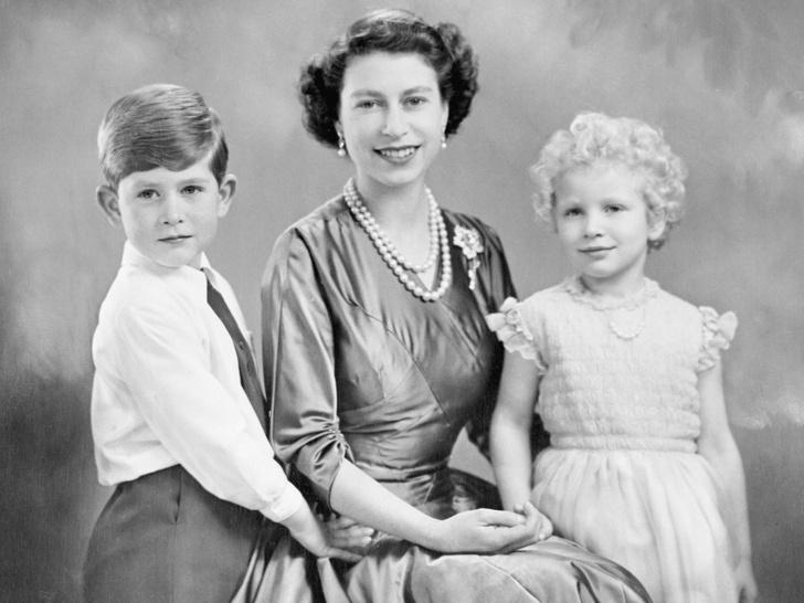 Фото №2 - Как рождение пятого внука принцессы Анны восстановило историческую справедливость