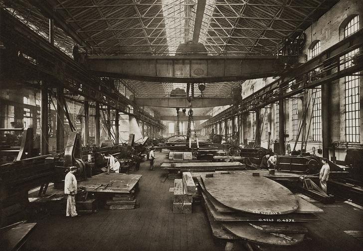 Завод Виккерса— крупнейший европейский центр по производству оружия. 1912 год