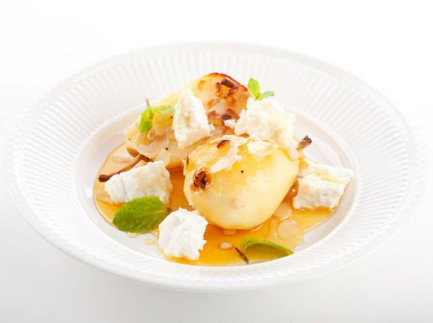 Фото №6 - 5 диетических блюд с рикоттой и моцареллой для тонкой талии