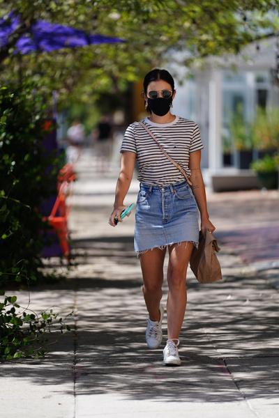 Фото №3 - С чем носить джинсовую юбку летом 2021