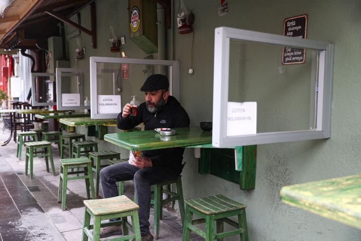 Фото №1 - В Турции снова открылись кафе и рестораны