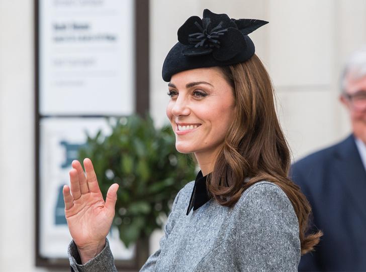 Фото №1 - Что сделала Кэтрин Кембриджская, чтобы угодить Королеве на их совместном мероприятии