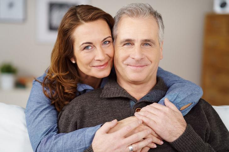 Фото №1 - Ученые доказали, что женатые люди счастливее неженатых