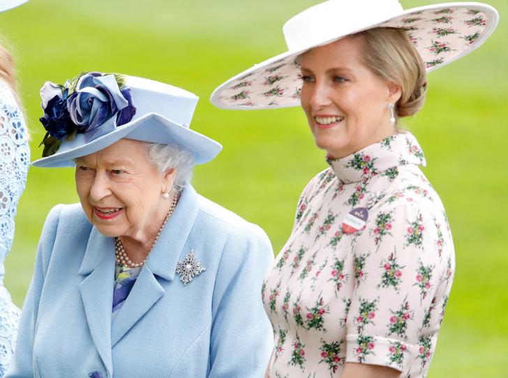 Фото №1 - Серый кардинал стиля: «любимая невестка Королевы» и ее новая особая миссия