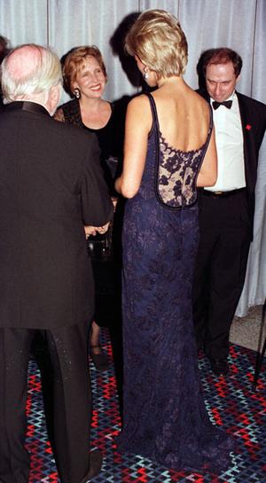 Фото №12 - Модная провокация: самые откровенные наряды принцессы Дианы