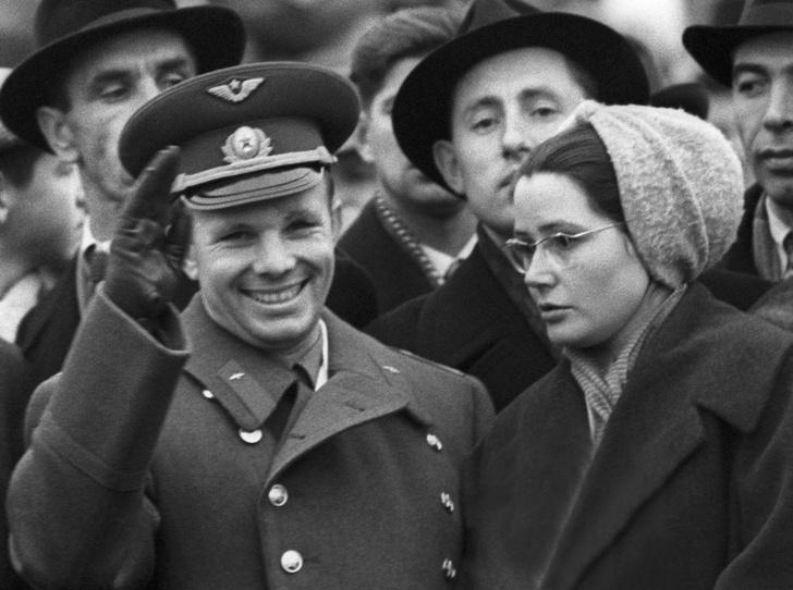Фото №1 - Валентина и Юрий Гагарины: история космической любви