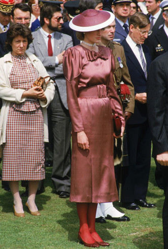 Фото №11 - Как принцесса Диана носила цветные колготки