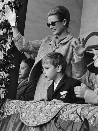 Фото №29 - Княгиня, актриса, дива: образы Грейс Келли, которые вошли в историю