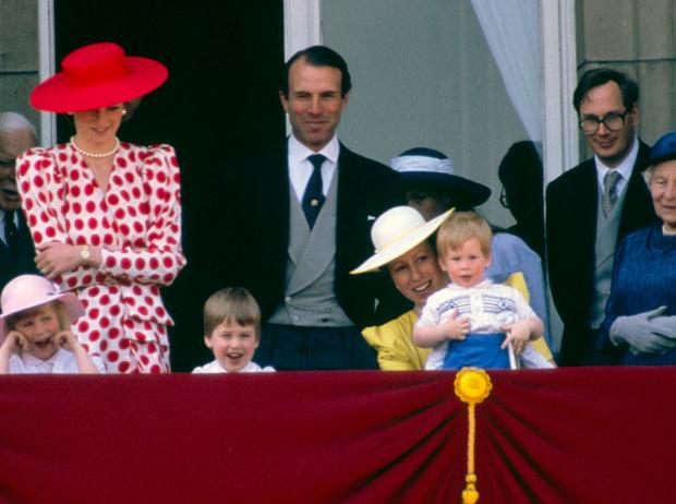 Фото №13 - От Дианы до Кейт Миддлтон: самые яркие «балконные» кадры Trooping The Colour
