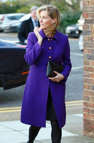 Фото №11 - Все оттенки сирени: как королевские особы носят фиолетовый цвет