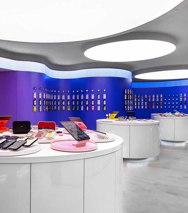 Фото №7 - Магазин CASETiFY Studio в Гонконге по дизайну Гарри Нуриева