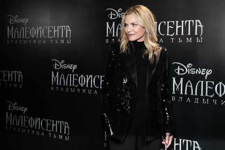 Фото №1 - В Москве состоялись пресс-конференция и фотоколл при участии Мишель Пфайффер по фильму «Малефисента: Владычица тьмы»