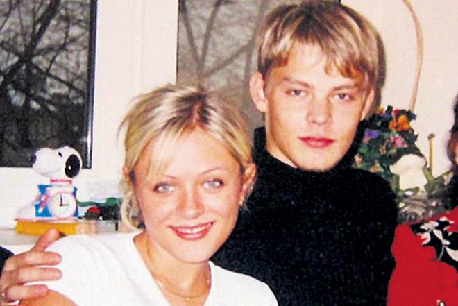 Фото №2 - 12 звезд, которые вышли замуж слишком рано
