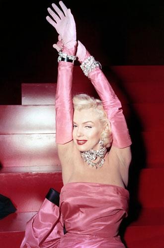 Фото №11 - Драгоценности Мэрилин Монро: что кинодива носила в жизни и на экране