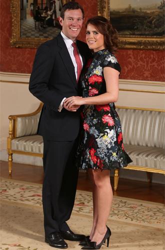 Фото №3 - 6 знаковых различий в помолвочных фото принцессы Евгении с Джеком и принца Гарри с Меган