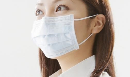 Фото №1 - Петербуржцам раздадут бесплатные маски для защиты от гриппа