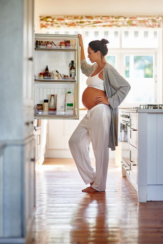 Фото №2 - Беременность и диета: 5 частых заблуждений