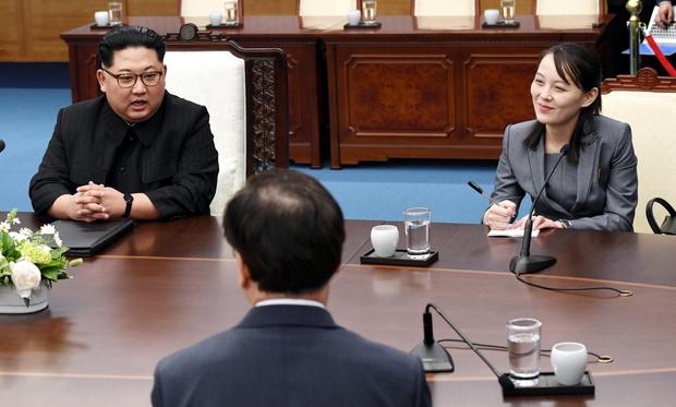 Фото №1 - Западные СМИ: Ким Чен Ын впал в кому после передачи полномочий сестре
