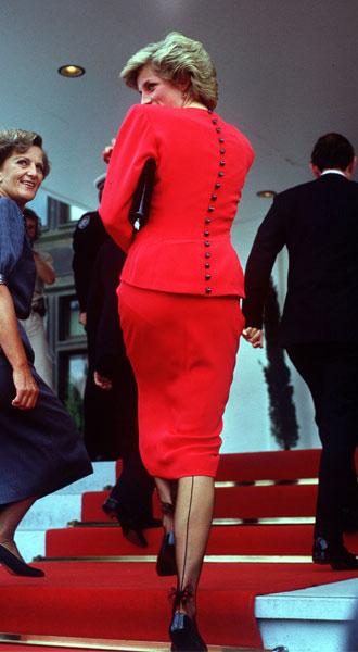 Фото №2 - Как принцесса Диана носила цветные колготки