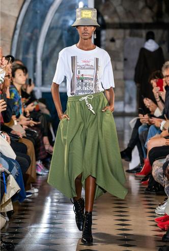 Фото №3 - Асимметрия, деним и карго: самые модные юбки лета 2020