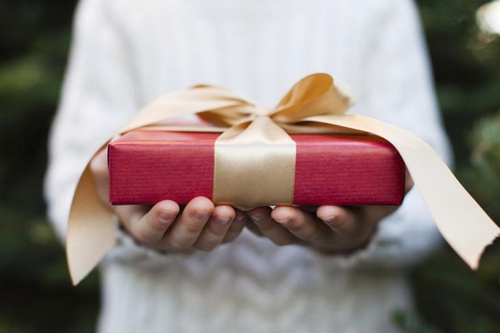 Фото №1 - Люди больше радуются материальным подаркам, чем впечатлениям
