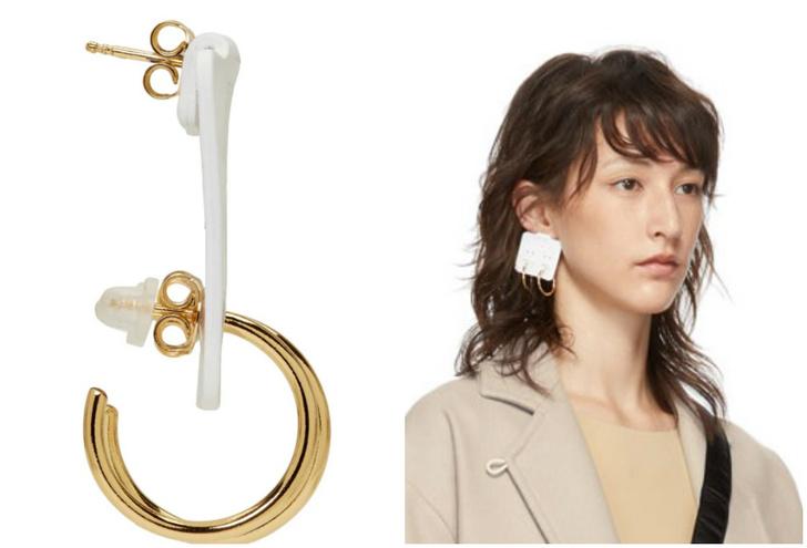 Фото №2 - Интернет обсуждает сережку за 305 долларов, которая выглядит как сережки в упаковке